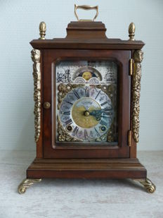 English table clock made of burl walnut wood with moon phase indication – Warmink movement – approx. 1960