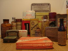 Lot of old medicine & medicine packages