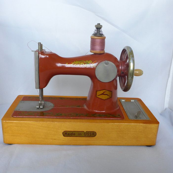Used, Children's sewing machine (mini sewing machine), hand operated for sale
