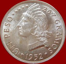 Dominican Republic. 1 Peso. Silver. 1952. Indian Bust of Liberty. Very scarce.