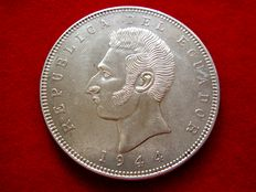 Ecuador. 5 Sucres. Silver coin. 1944 Mint of Mexico.