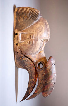 Impressive African Tribal OGONI IBIBIO mask with Calao beak and movable jaw. Nigeria
