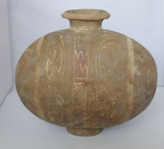 Exceptional Ancient Chinese Cocoon pottery jar – 23 cm