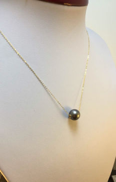 11.3 mm Tahiti Black Pearl necklace. - No reserve price