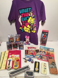 Disney, Walt - 19 items including Watches + Bobble Heads + Key rings + stationery + Books + Jewellery