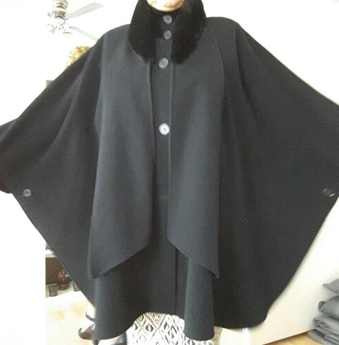 Damo Donna - Beautiful poncho / Cape / Coat lined with faux fur