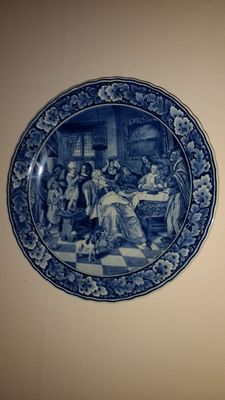 Zenith - Delft blue plate after Jan Steen.