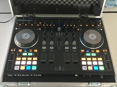 Complete Native Instruments Traktor S4 mk2 Dj controller set + HP Pavilion 15 inch i7 Notbook with Traktor Pro 2 + flightcase