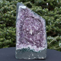 Purple polished Amethyst geode with calcite. - 36 x 19 x 18 cm - 11.95 kg