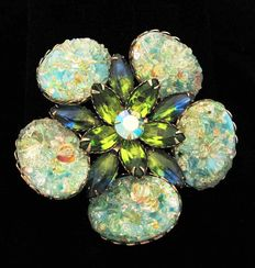 Vintage Cathe  large molded  flower   brooch New York -1955-1960