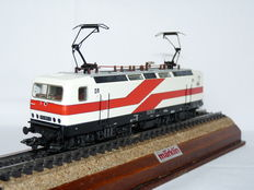 Märklin H0 - 34411 - Electric locomotive BR 212 of the DR (DDR), with special colour scheme