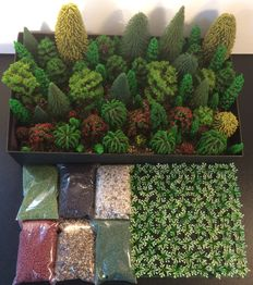 Noch/e.a. N -172 pieces Scenery paket with trees, shrubs and litter