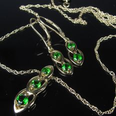 """Set"" old 8 kt gold earrings, necklace and pendant, peridot - 1970s"