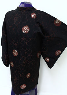 Silk Haori Kimono with geometric figures and handpainted plum blossom- Japan - late 20th century