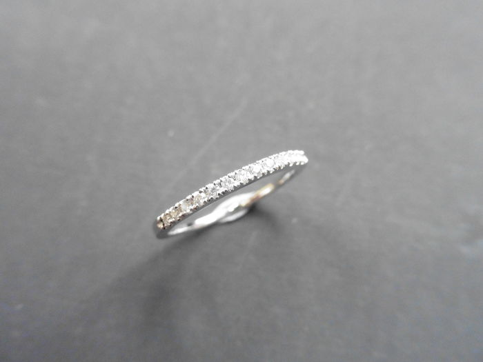 14k Gold Diamond Band Ring - 0.13ct - size L EU 51