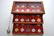 Timepieces - beautiful collection of 31 various pocket watches in luxury cassette of which 1 with necklace