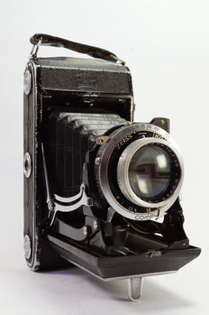 Zeiss Ikon Ikonta C  (521/2) with 105mm/f3.5 lens