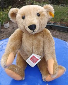 Steiff Teddy bear model Margret strong Steiff article number: 0155/51 - Germany