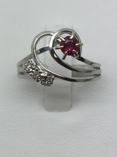 Cocktail Ring in Ruby (Probably synthetic) and Diamonds - Size 17.9 mm/FR 56
