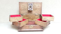 Oak bijoux box as a wedding gift - Germany or the Netherlands - Anno 1895