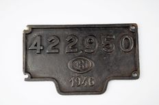 NMBS original cast iron license plate for a locomotive of the Belgian Railways, 1946