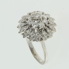 18k white gold cluster ring with diamonds