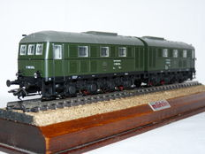 Märklin H0 - 34282 - Two-piece diesel locomotive V188 of the DB