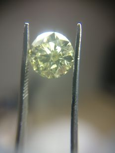 1.05 ct Round cut diamond Y to Z VVS1 hpht treated