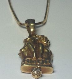 Chain and pendant with diamond
