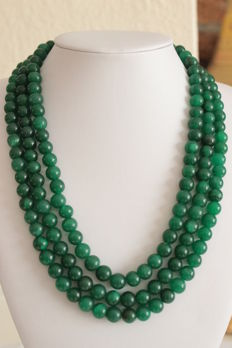 Necklace with three rows of emeralds on an adjustable silk cord - 843 ct