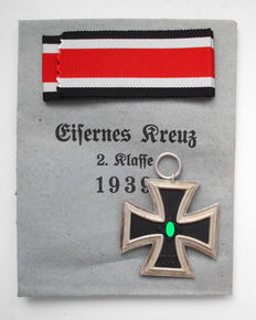 Iron Cross 2nd Class WW2 3rd Reich with Award Bag