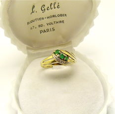 Vintage gold ring set with Emeralds & Diamond accents