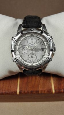 Seiko Alarm Chronograph –  Men's Wristwatch