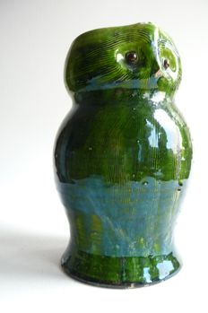 Chris van der Hoef - Owl pitcher ceramic with green glaze