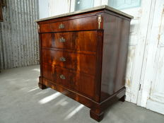 An Empire mahogany chest of drawers covered with brown-grey marble - first quarter 19th century