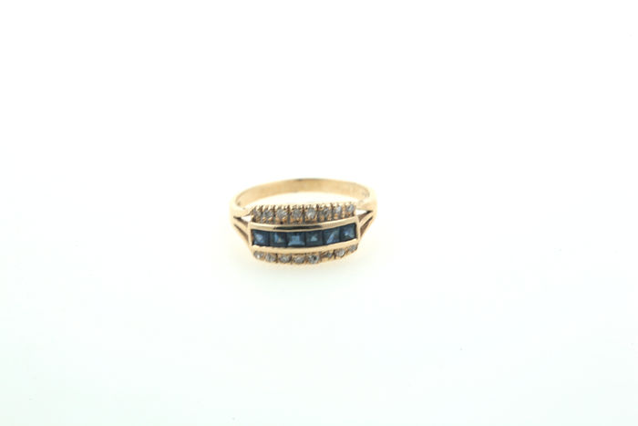 Ring 14 kt yellow gold baguette sapphire and 16 diamonds 0.25 ct – 55 (EU)