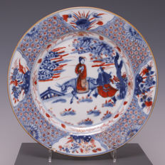 Beautiful Imari porcelain plate – China – 18th century