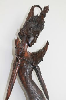 Statue from calamander wood, temple dancer, signed – Bali – Indonesia