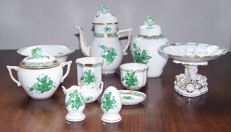 Herend - lot with 11 pieces of porcelain tableware.