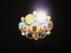 Vintage 1950s - D&E Juliana Rainbow Coloured Aurora Borealis Brooch