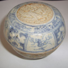 Chinese blue and white medicine box with floral and phoenix decoration - 60 mm