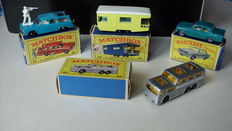 Lesney Matchbox - Various scales - Ford Zephyr 3 No.33, Trailer Caravan No.23, Greyhound Bus No.66 and Studebaker Station Wagon No.42