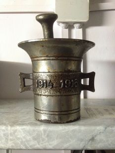 Metal patriotic Pharmacists mortar and pestle 1914-1917