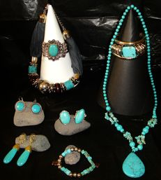 11 pieces of jewelry with turquoise and silver plated