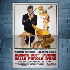 Original Film Poster 007 James Bond The Man with the Golden Gun - Roger Moore - Size: 140x200 CM