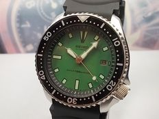 Seiko - Scuba Divers WR 150M Gents' Wrist Watch model 7002 700J c.Jan 1994
