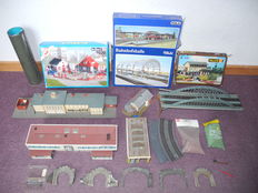 Kibri/Pola/Faller/e.a. - 7020/205/e.a. - 28-piece railway track decor items  for the enthusiast [526]