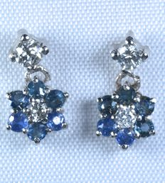 White gold earrings with diamonds and natural blue sapphires – Total: 0.65 ct –No reserve price