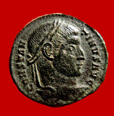 Roman Empire - Constantine I the Great (306-337) bronze follis ( 3,04 g, 17 mm)  minted in Ticinum, 322-325 A.D. VOT XX and crescent within wreath.