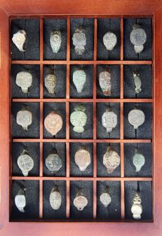 Medieval bronze ring 25 pcs, in the frame for the exposure - (25)